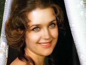 larisa-leone-porno-aktrisa-devushki-pishnie-popki-foto